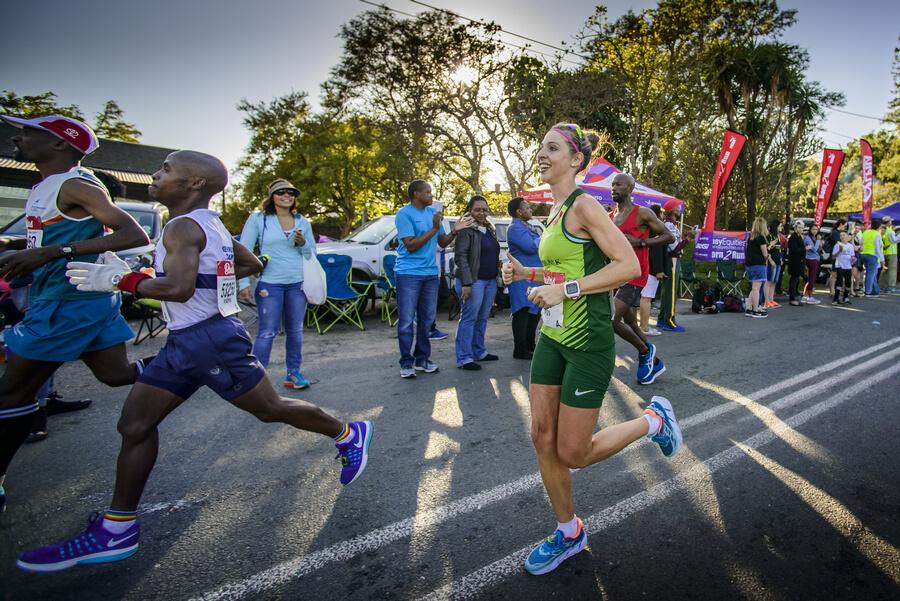 Gerda Steyn wins her first Two Oceans Marathon